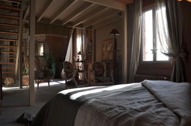 coin-chambre-le-lit-sur-la-loire-chambre-dhotes-en-loire-atlantique-1024x679