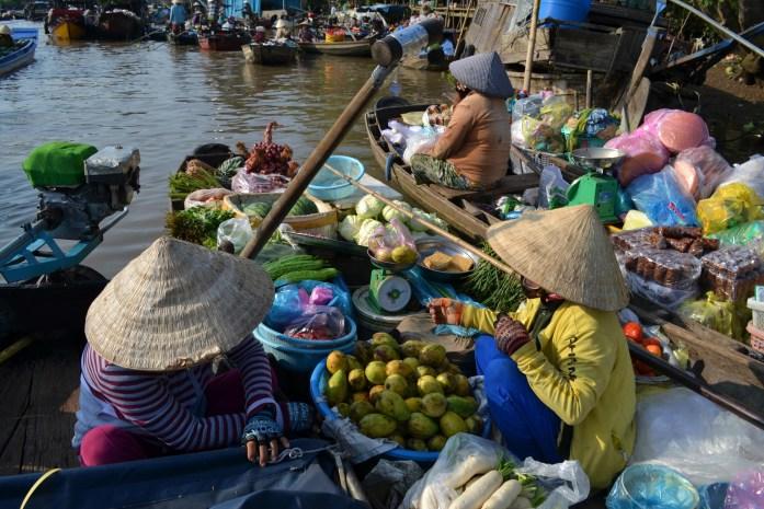 can-tho-delta-mekong-marche-flottant-fruit-commerce-noworries.jpg
